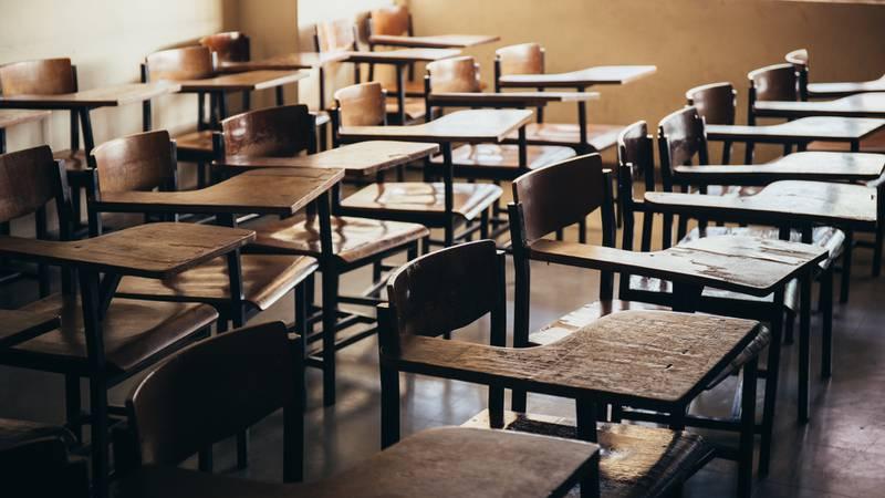 Cierra Argentina escuelas por segunda ola de contagios de Covid-19 - Megalópolis